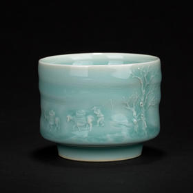 青瓷浮雕山上杯