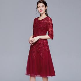 JS7116新款优雅气质修身显瘦圆领刺绣连衣裙TZF