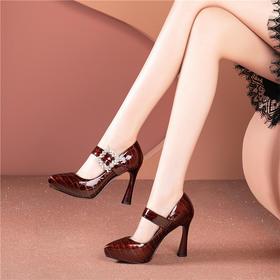 OLDT533新款漆皮花朵仙女风高跟鞋TZF