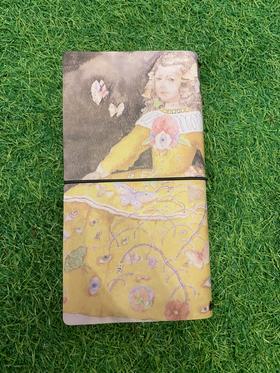 艺术衍生品 《爱丽丝与蛇》 笔记本 陈元隆