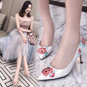 YNX-K3799新款时尚优雅气质绣花尖头浅口细高跟鞋TZF