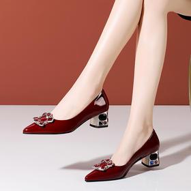 OLD713新款春秋漆皮尖头粗跟浅口单鞋TZF
