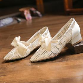 XYSM-D522B-2新款时尚尖头蝴蝶结镂空网纱浅口凉鞋TZF