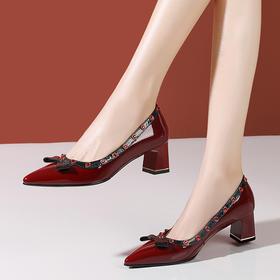 OLD719新款时尚气质尖头柳钉浅口中高跟鞋TZF
