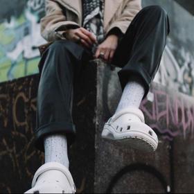 72小时发货【潮人必备 休闲百搭】Crocs情侣款洞洞鞋 鞋拖两用 8色可选 耐磨鞋底 防滑纹路