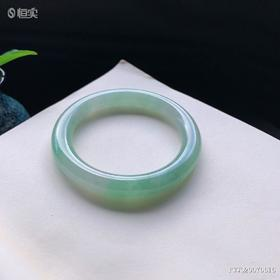 56mm冰糯种绿色圆条翡翠手镯