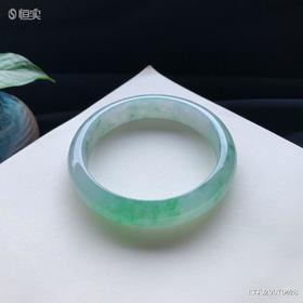 57.3mm冰糯种绿色翡翠手镯