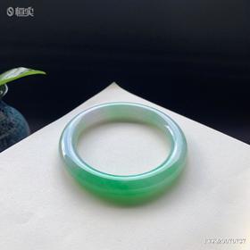 56mm糯种绿色圆条翡翠手镯