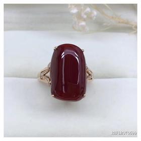 G18K镶钻阿卡赤血红珊瑚戒指