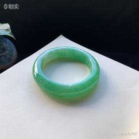 51.8mm糯种绿色翡翠手镯