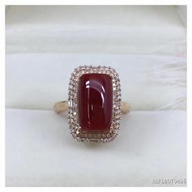 G18K镶钻阿卡深牛血红珊瑚长方戒指