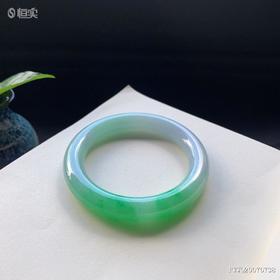 57mm糯种绿色圆条翡翠手镯