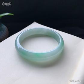 68.8mm糯种绿底翡翠手镯