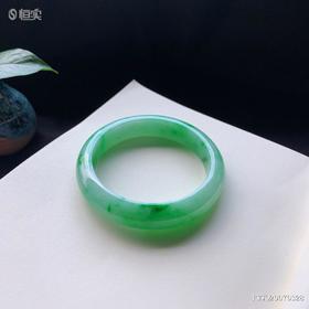 56.6mm糯种绿色翡翠手镯