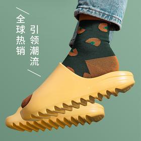 【火遍全球的面包拖鞋】超时尚潮流!百搭显高!街拍利器!脚底柔软舒适,男女老少同款!