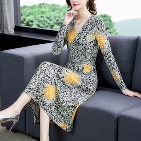NYL079732新款时尚优雅气质收腰显瘦V领长袖印花连衣裙TZF