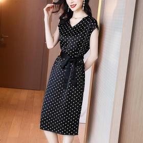 XFFS6029新款时尚气质收腰显瘦V领波点连衣裙TZF