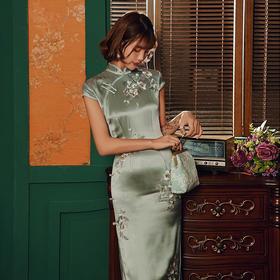 复古高端,醋酸缎刺绣改良烫钻修身旗袍GR-704