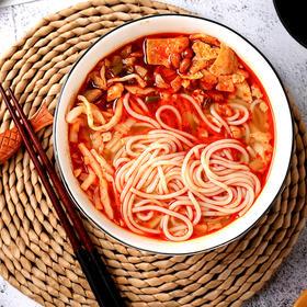 大碗螺螺蛳粉,地道柳州老味道,鲜香爽辣,越吃越上瘾