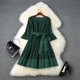 LYY-T11153新款时尚优雅气质系带收腰圆领七分袖镂空刺绣连衣裙TZF