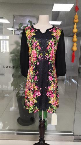 QKC-00016秋季新品时尚拼接印花V领连衣裙TZF