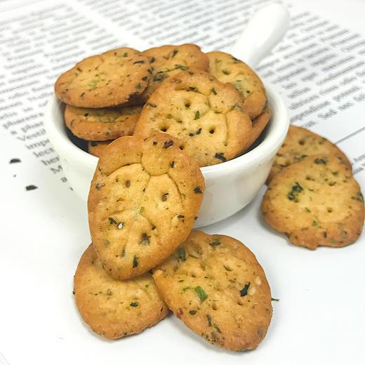 【买二送一、买五送三】九种蔬菜合一小饼干 营养饼干  网红休闲零食 多买多送 90g*1袋 商品图1