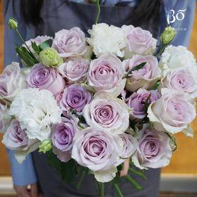 19枝紫色玫瑰