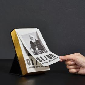 【为思礼】2021创造者日历 个性桌面台历 原创设计撕日历 名人中英文双语对照 文艺简约 青年礼物 每日智慧365个故事 桌面摆件办公