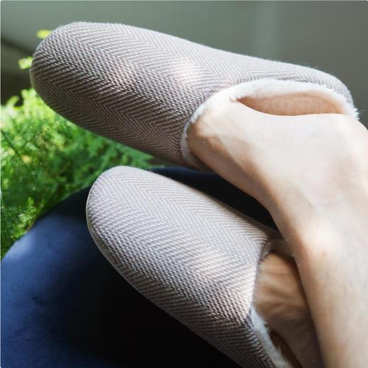 【云朵般脚感 踩进去就离不开了】一默暖暖乳胶拖鞋 呼吸感强 透气不闷 纯色设计 多色可选 商品图1