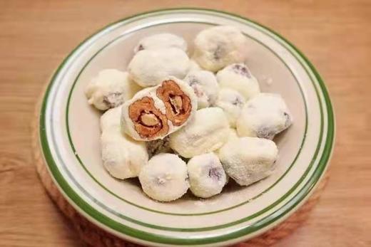 【半岛商城】爆款网红奶枣 外层满满的奶粉,中间甜甜的红枣 最里面是巴坦木,搭配着口感超好 商品图1