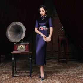 LHS2010新款优雅气质修身立领短袖醋酸缎刺绣长款礼服裙TZF