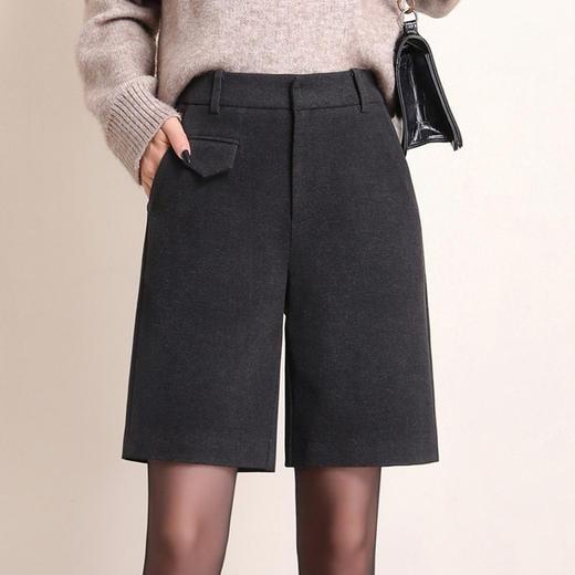 HRFS-WM88859新款时尚气质休闲百搭毛呢直筒五分短裤TZF 商品图4