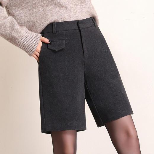 HRFS-WM88859新款时尚气质休闲百搭毛呢直筒五分短裤TZF 商品图2
