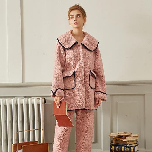 WDF978新款时尚气质大翻领长袖仿羊羔绒保暖家居服套装TZF 商品图1