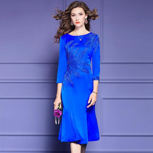 FMY33753新款优雅气质修身圆领七分袖中长款刺绣鱼尾裙TZF 商品图1