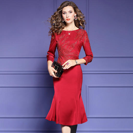 FMY33753新款优雅气质修身圆领七分袖中长款刺绣鱼尾裙TZF 商品图3
